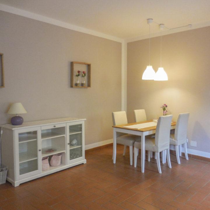 Helder en wit interieur in het appartement