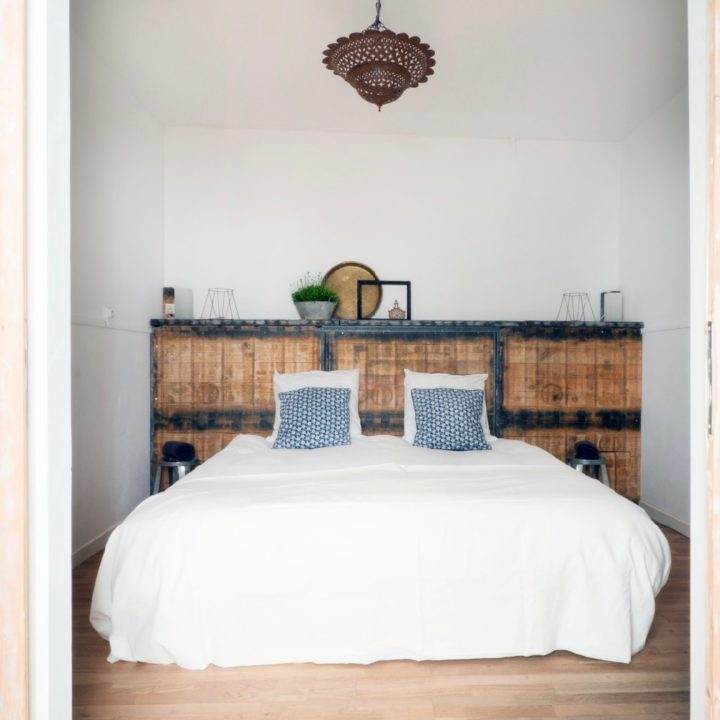 Slaapkamer van het vakantieappartement in het historische dorp