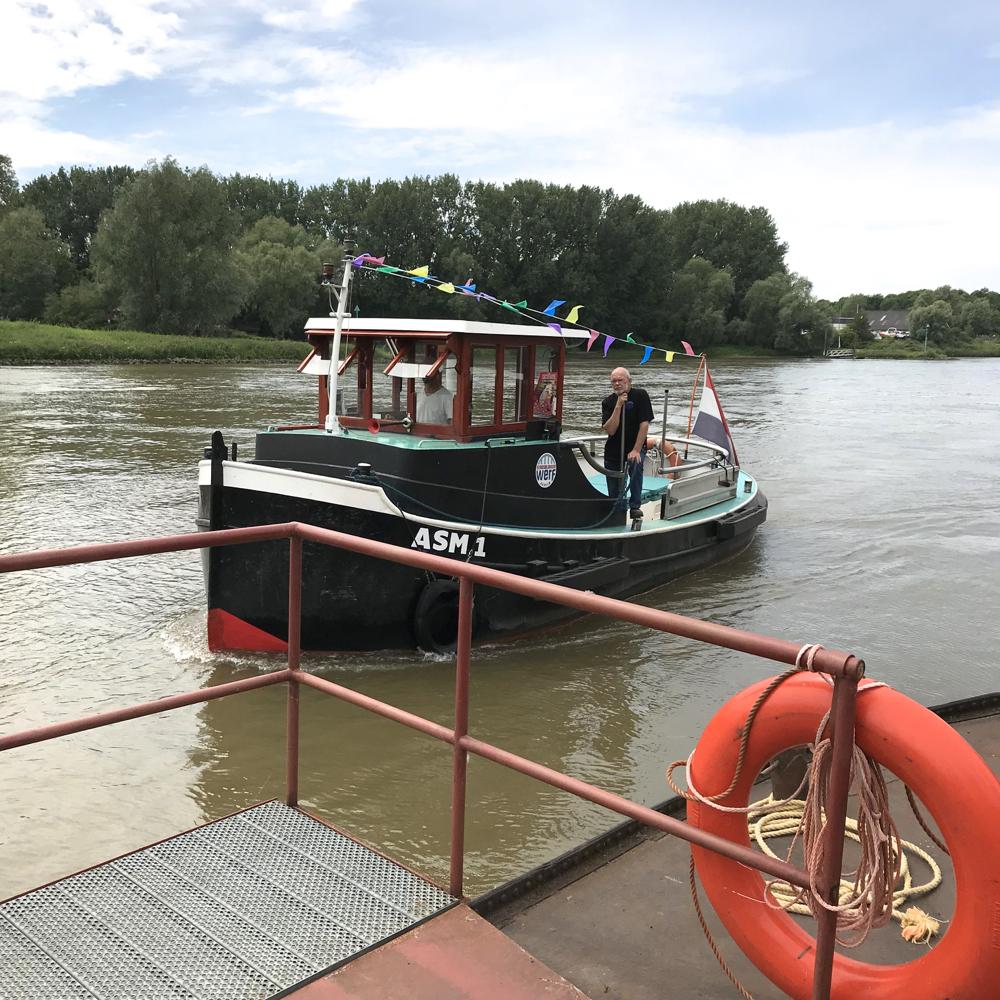 Pontje over de Rijn bij Arnhem