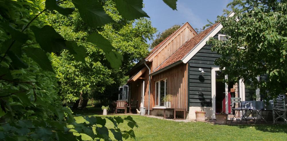 Bijzonder vakantiehuis in Limburg, verscholen onder de bomen