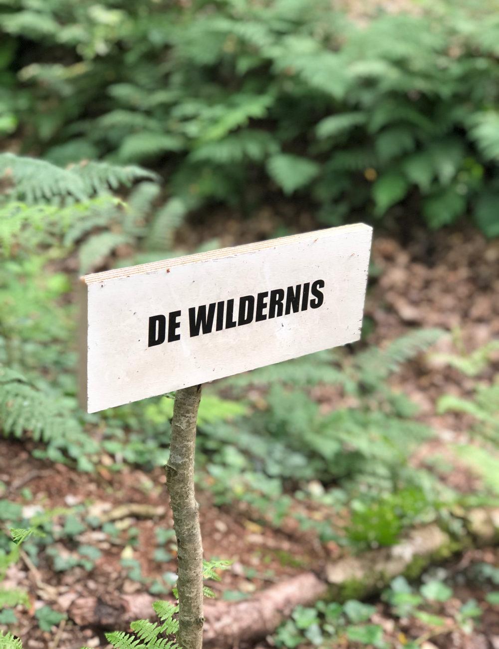 Bordje met tekst De Wildernis