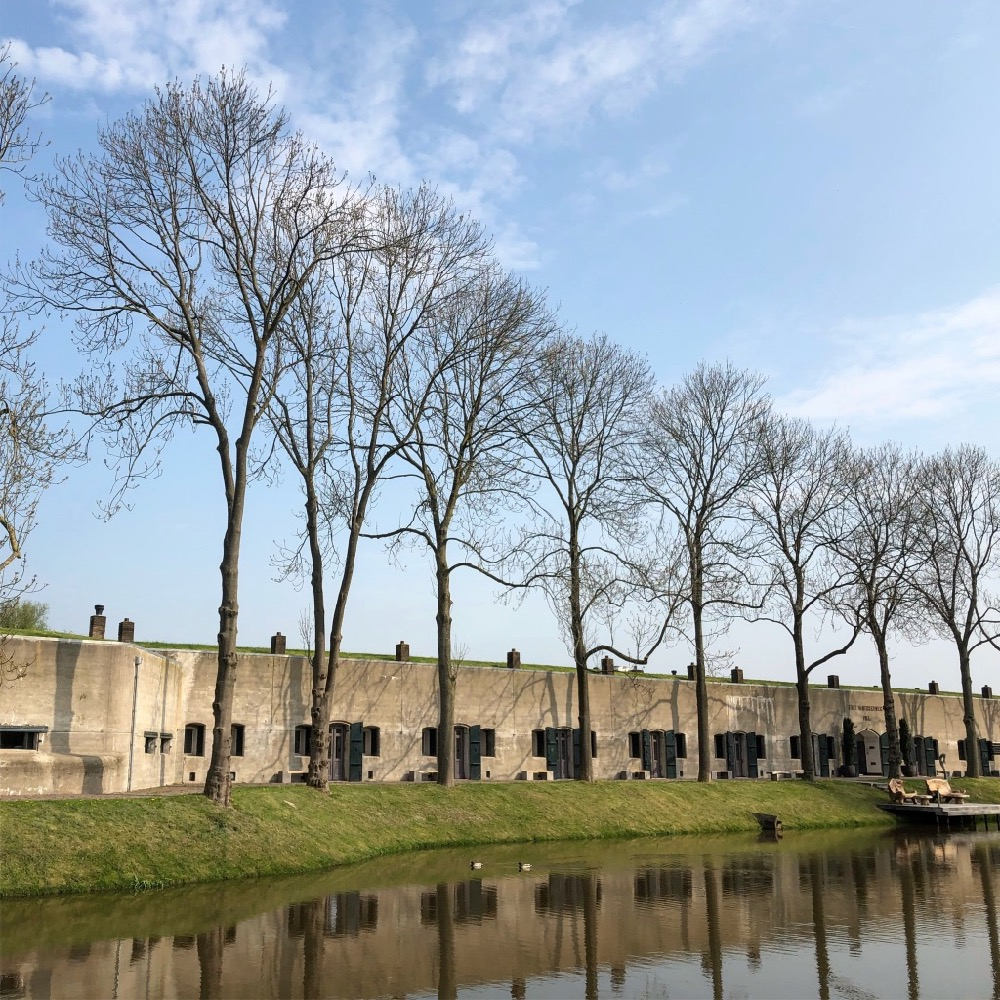 fort beemster aan gracht
