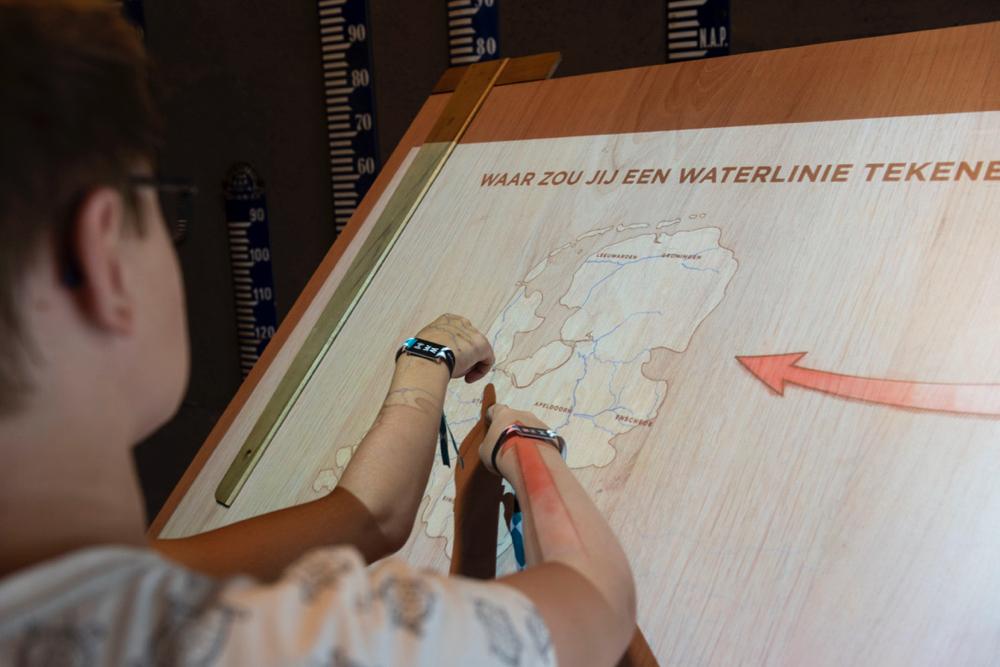 Waterliniemuseum met plattegrond van Nederland