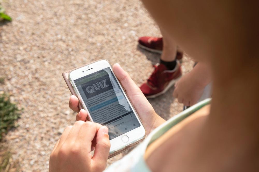 Smartphone met bunkerpad quiz
