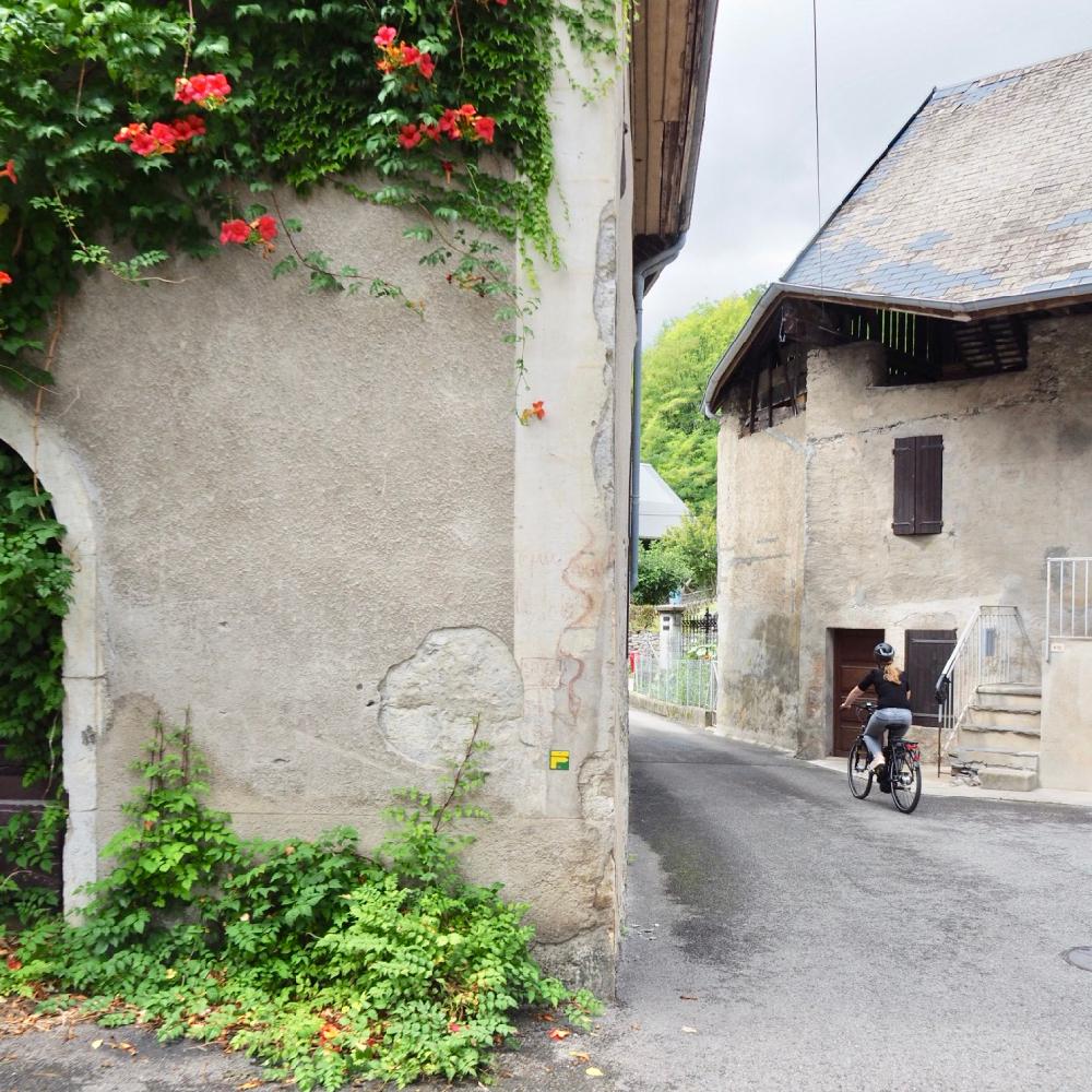 Per e-bike langs eeuwenoude dorpjes