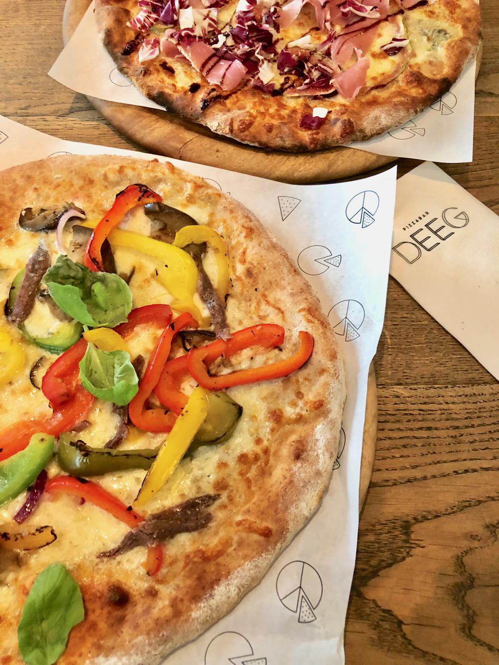 Zo'n lekker adres in Den Bosch. De pizza's van DEEG, net even anders dan anders.