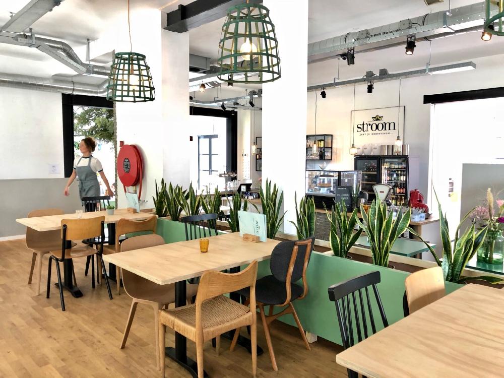 De Hippe Zithoek : Hotspot stroom in lent hip café restaurant bijzonder plekje