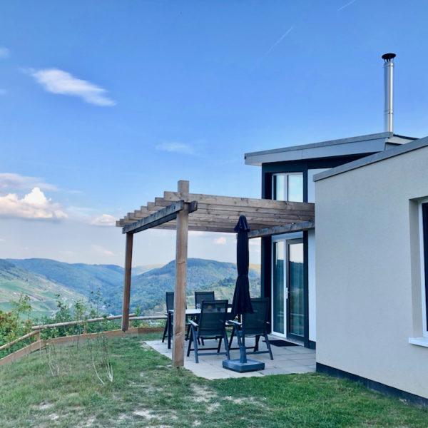 Luxe duurzame bungalow bij Landal Mont Royal met uitzicht over de Moezelvallei