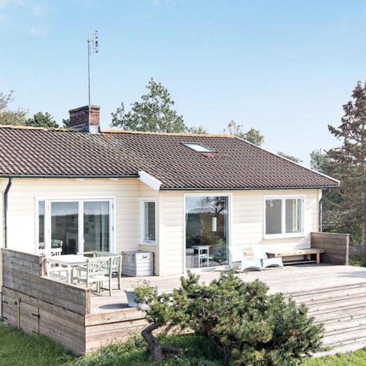 Wit houten huis in Zweden
