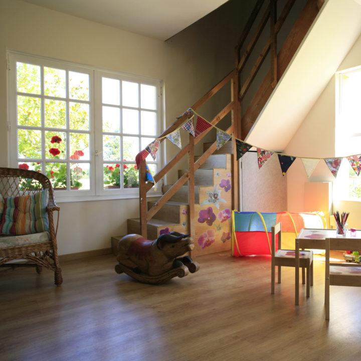 Voor kinderen is er een speciale ruimte met speel mogelijkheden.