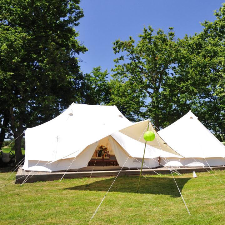 Luxe kamperen in hagelwitte bell tenten