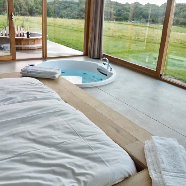 Een luxe vakantiehuis met bubbelbad en hot tub