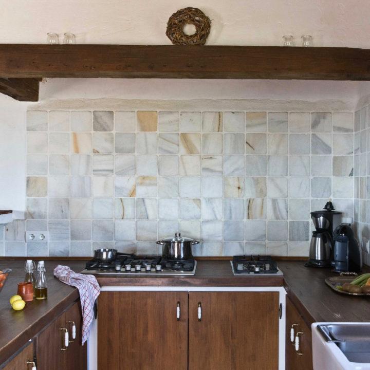 Keuken van een van de vakantiehuizen van Cortijo Juan Salvador