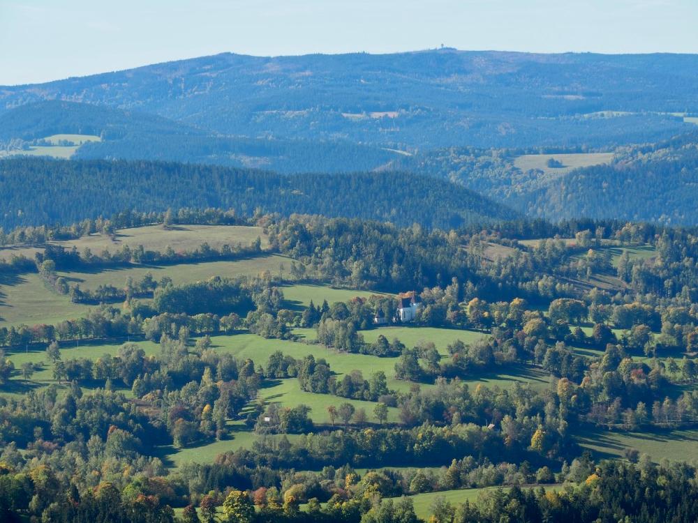 Uitzicht op de heuvels van het Boheemse Woud