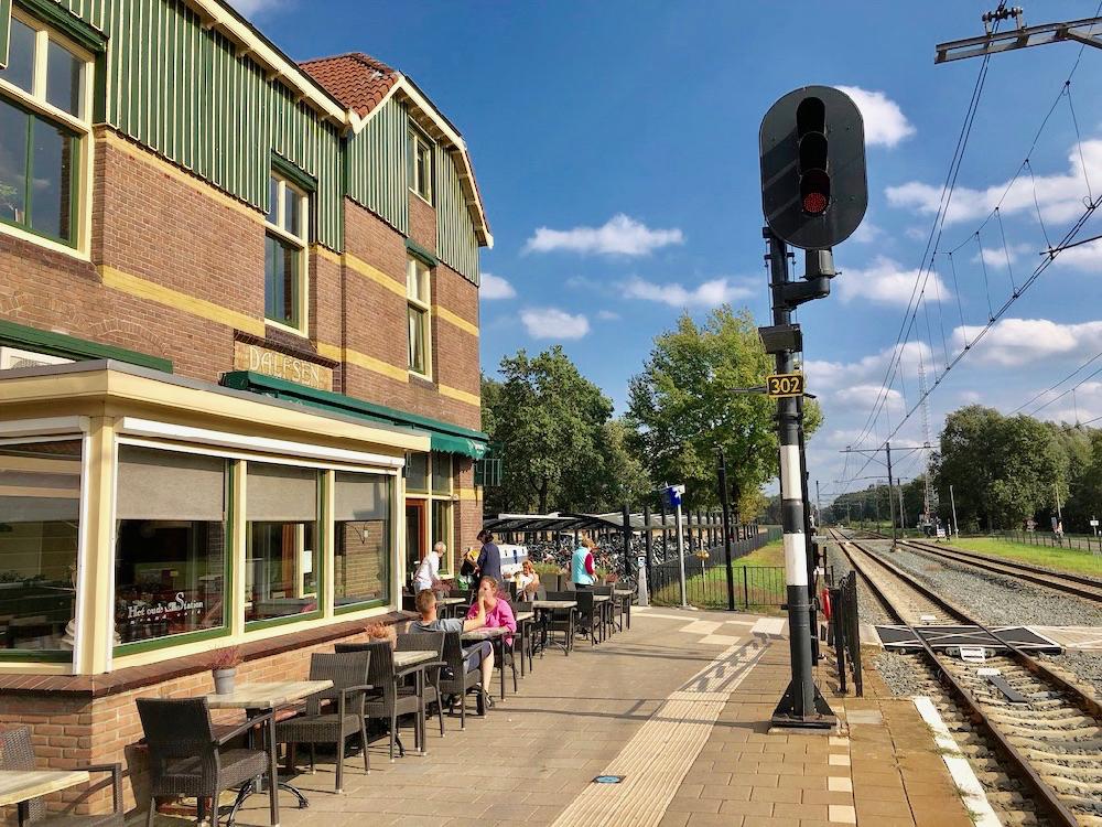 Start je wandeling door Dalfsen bij het Station van Dalfsen