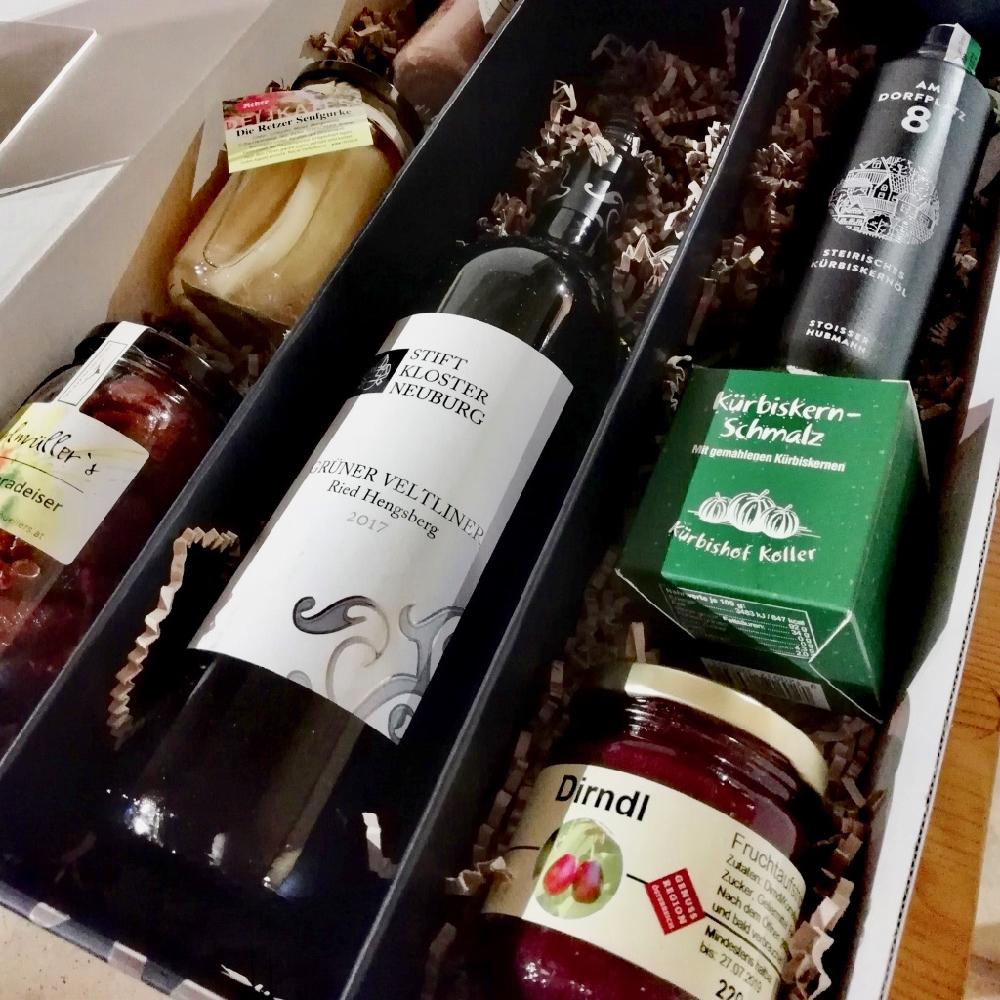 Flessen wijn in een geschenkverpakking
