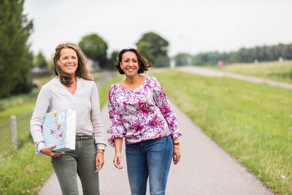 Wytske en Silvia van de Gelukjesdag kalender