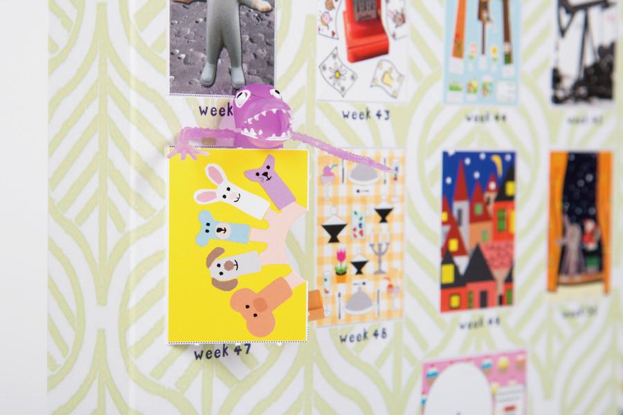 Een close up van de be-leef kalender met alle vakjes waarachter kleine verrassingen verborgen zitten