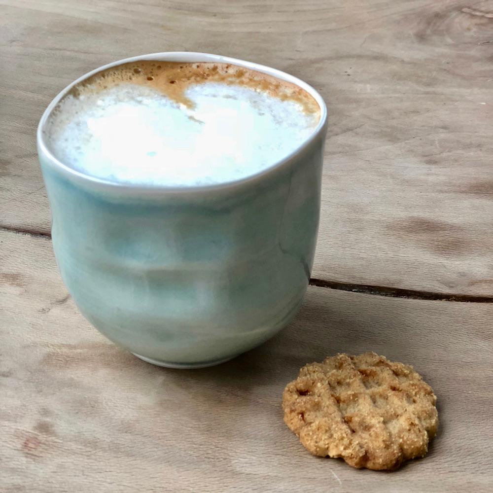 Koffie in een kopje van De Potterij