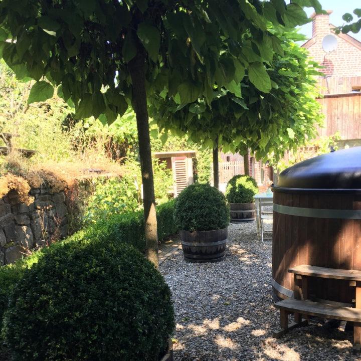 Hot tub in de tuin