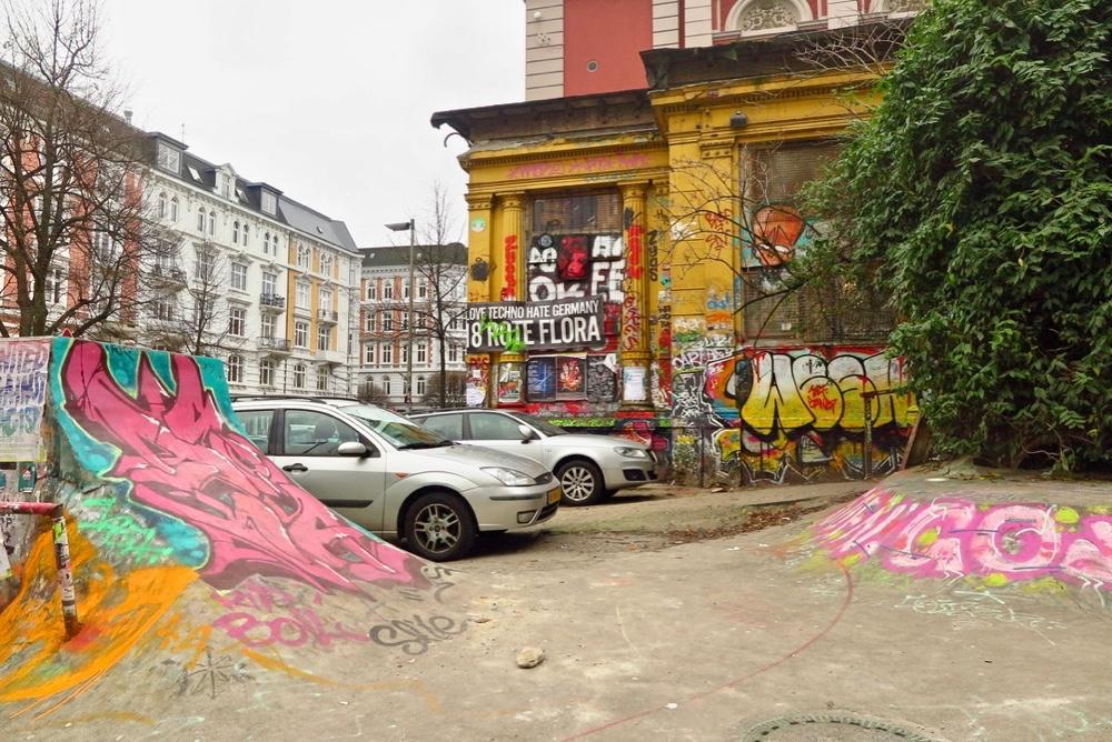 Overal op straat en op de gebouwen zie je streetart