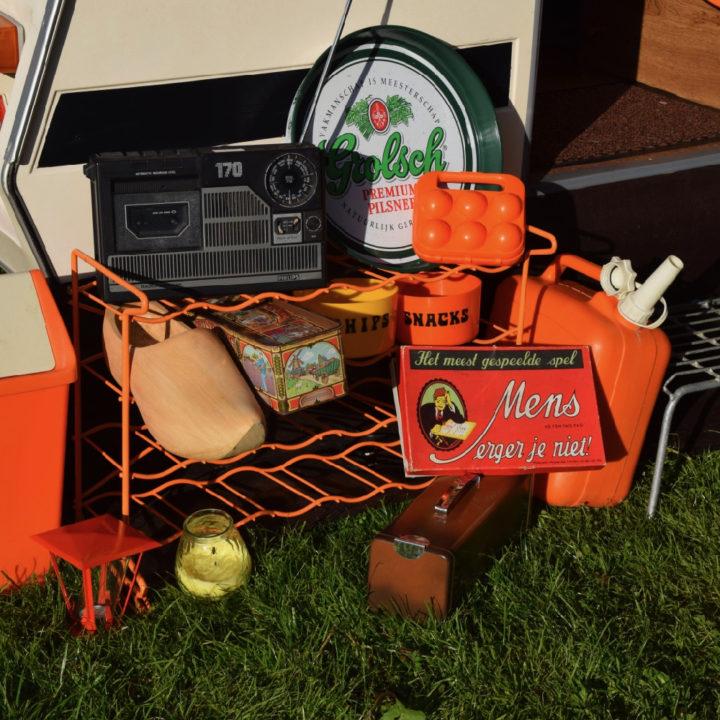 Oudhollandse spelletjes en oranje retro accessoires