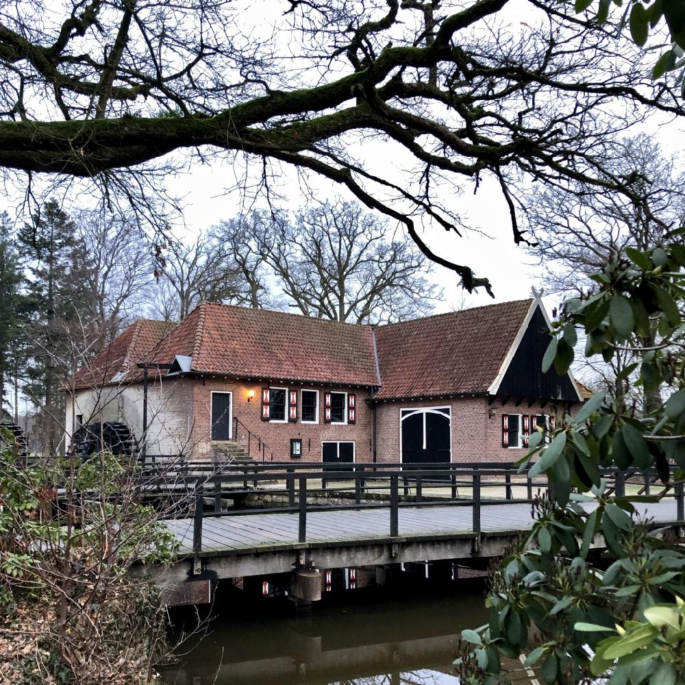 Een van de monumentale Twentse huizen op Landgoed Singraven