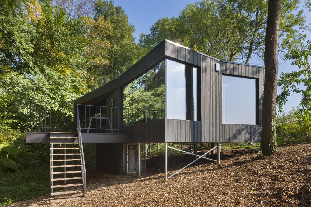 Een design vakantiehuis aan de rand van de akkers