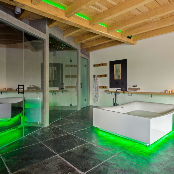 Spa Parel in 't Groen met luxe bad, relaxruimte, douche