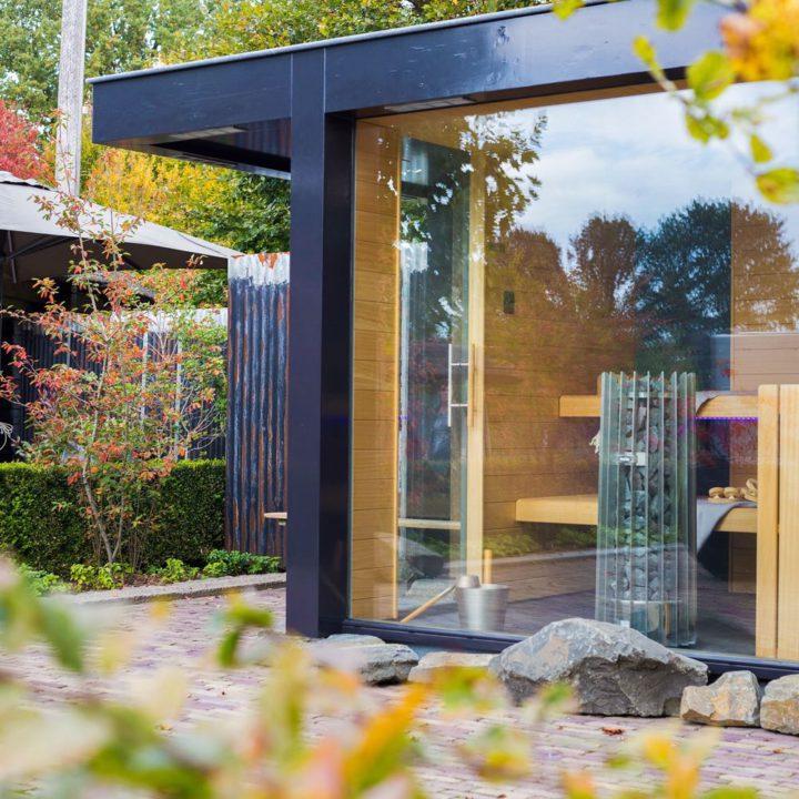 De sauna van Parel in 't Groen staat in de tuin