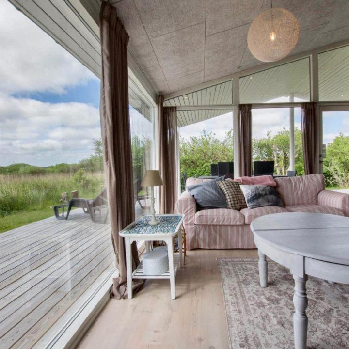 Vakantiehuis Lakolk op Rømø heeft grote ramen met uitzicht op natuur