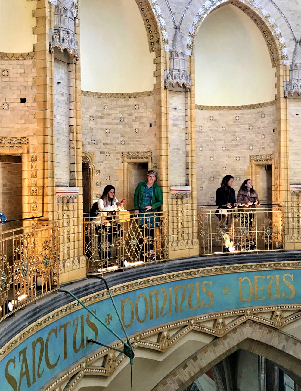 De koepel aan de binnenzijde van de kathedraal