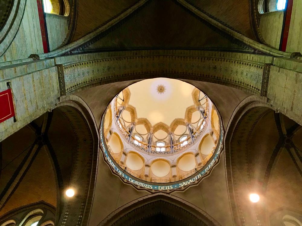Zicht op de koepel van de kathedraal