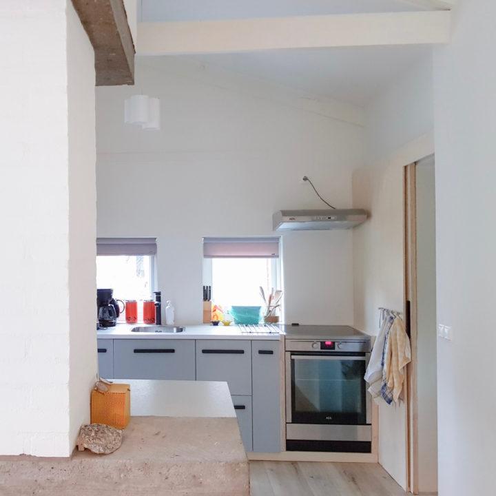 Doorkijkje naar de keuken van FINT Lauwersoog