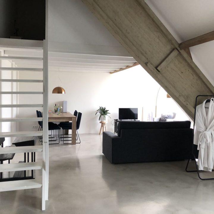 Luxe en zeer ruime bed and breakfast kamer in Zeeland