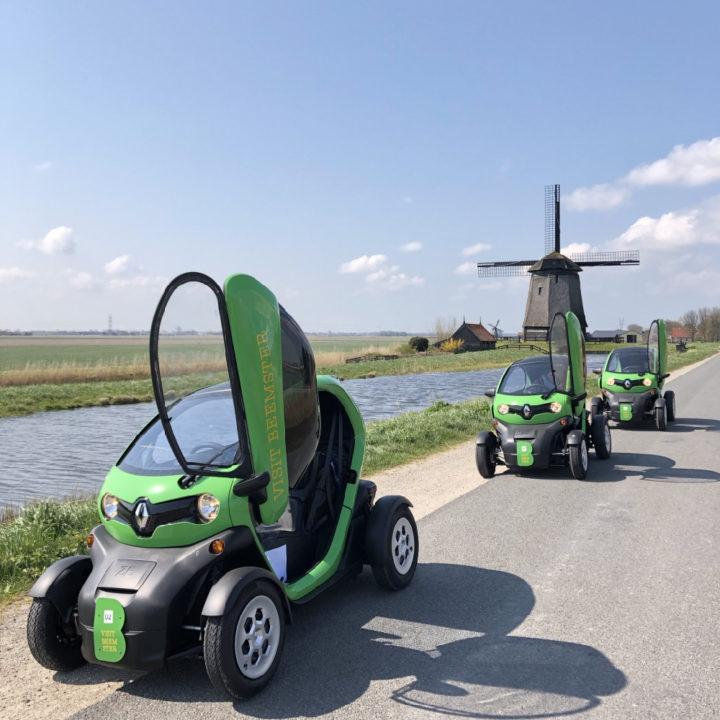 Met een Twizy langs de molens in Grootschermer