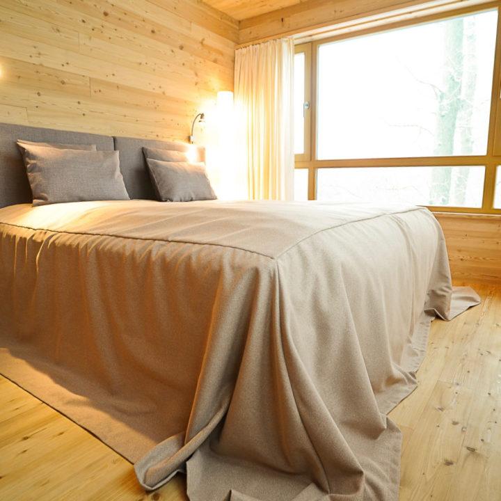2-persoons slaapkamer in een boomhut