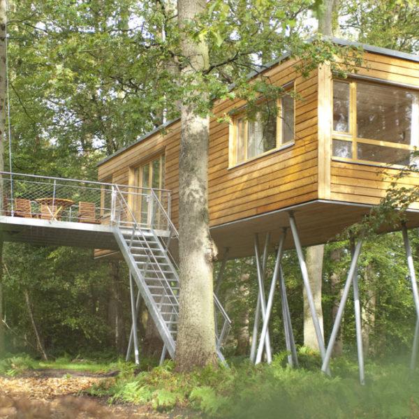 Design boomhut in Noord-Duitsland