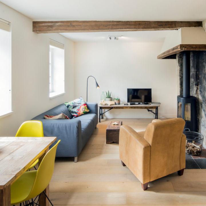 Woonkamer in een van de vakantie appartementen in Limburg