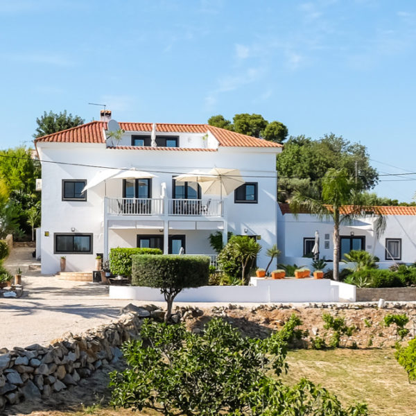 Witte Portugese villa