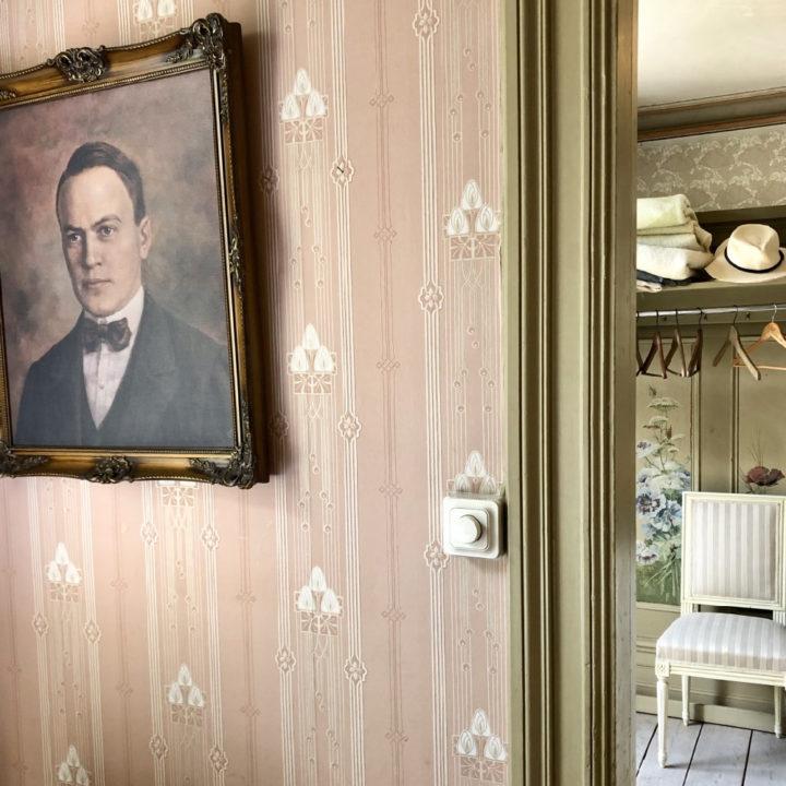 Schilderij op vintage behang