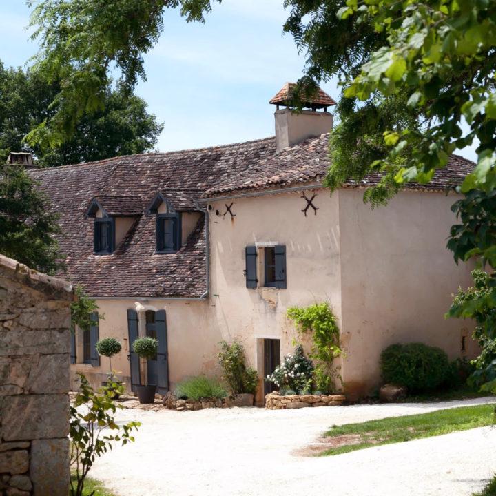 Zicht op de vakantiehuizen in de Dordogne