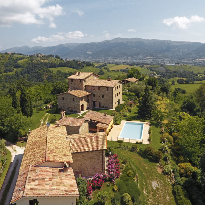 Sfeervol landhuis in Umbrië, in de groene heuvels