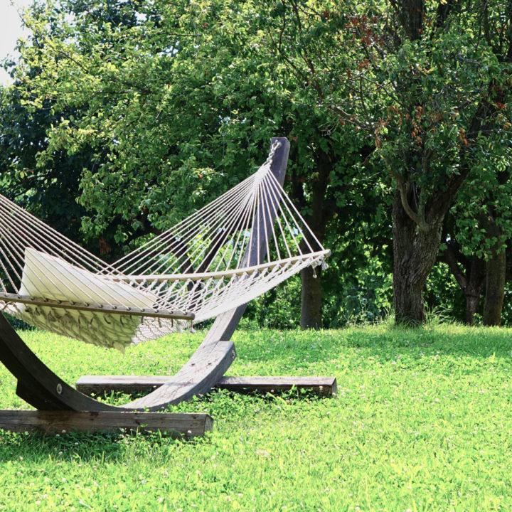 Hangmat in de tuin van vakantieadres Casa Lanni