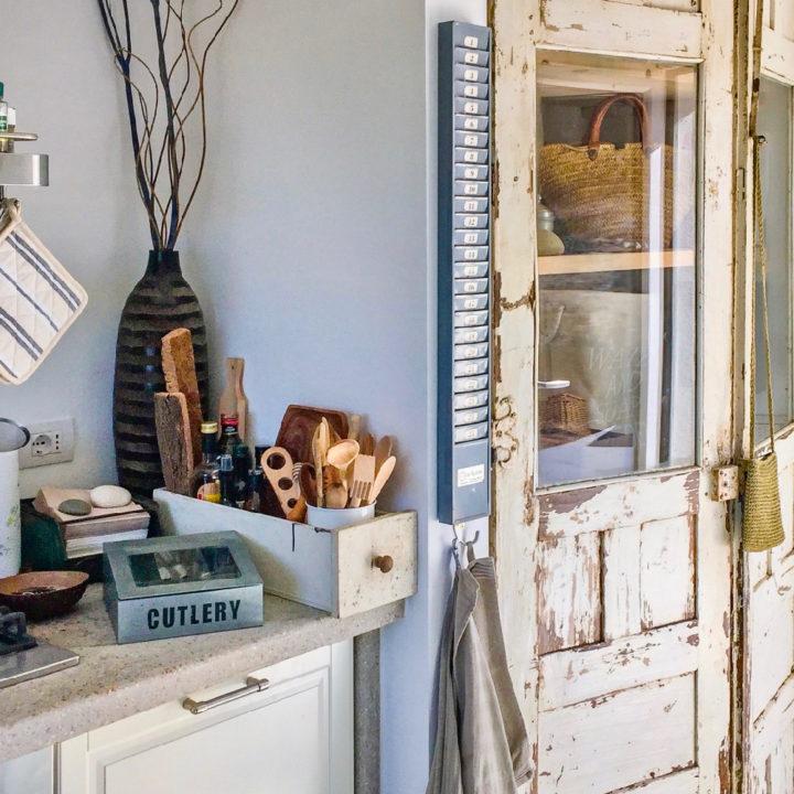 Aanrecht van een keuken in een vakantiehuis op Sardinië