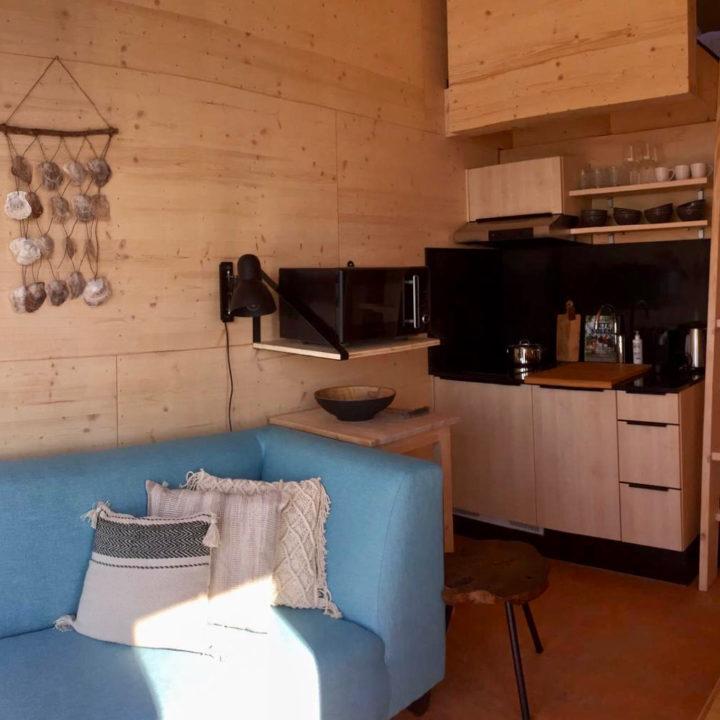 Interieur van duurzaam vakantiehuisje