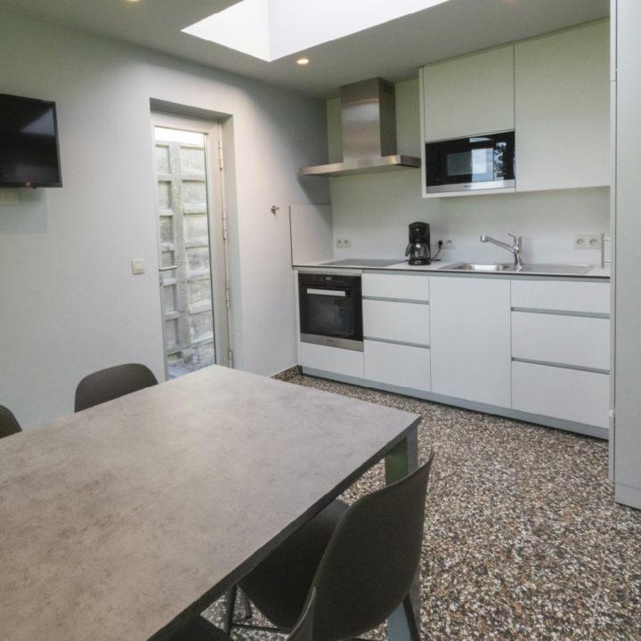 Eenvoudige keuken van een vakantiehuis in België