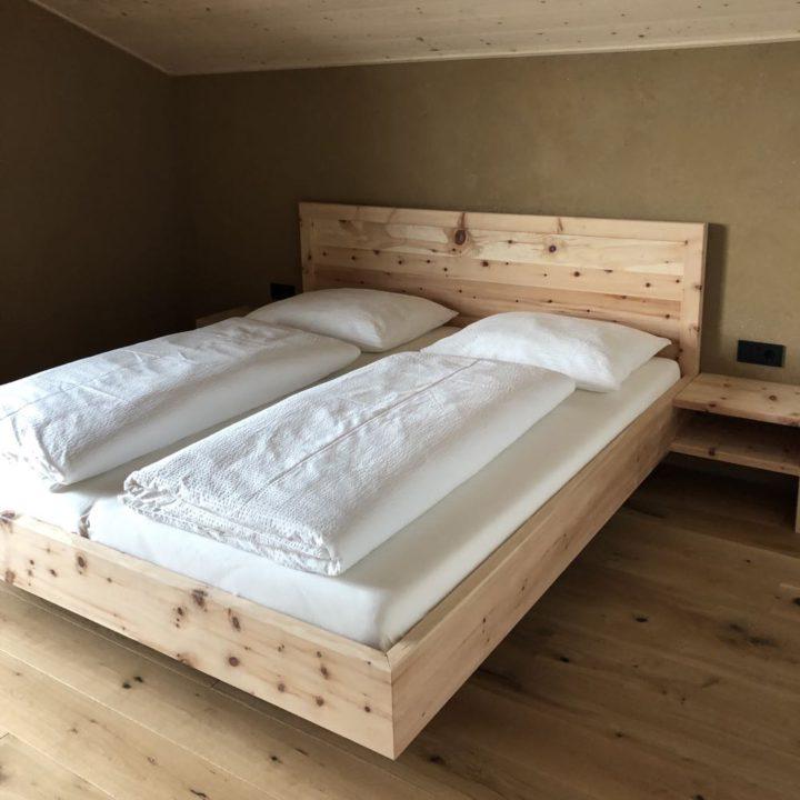 Oostenrijks opgemaakt bed