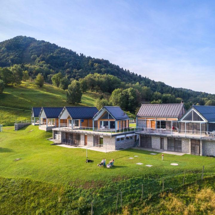 Huizen in een groene omgeving