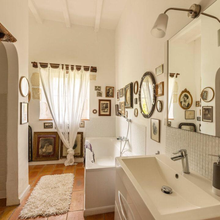 Badkamer in een Frans vakantiehuis